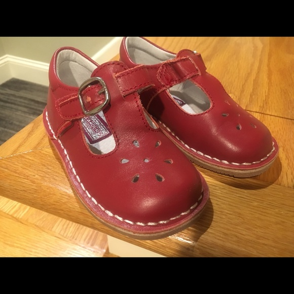 17b3edee14a3 Girl s Mary Jane shoes size 6 (toddler). M 5b8f30c7035cf1df95d45c5c